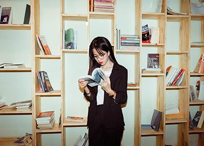 adult-bookcase-books-1400017.jpg