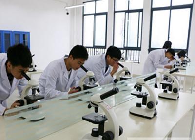 乐山市医药科技学校开展教学仪器的使用培训