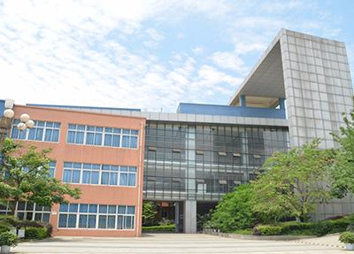 四川现代职业学院学费多少