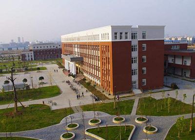 校园远景.jpg