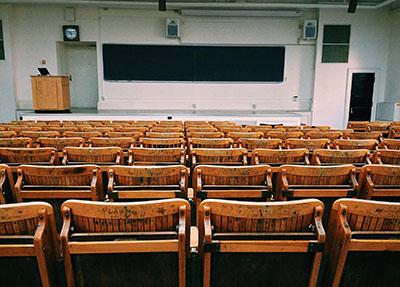 学校教室图