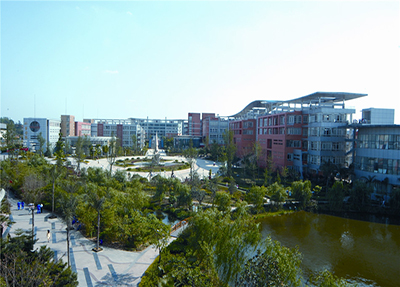 学院校园广场
