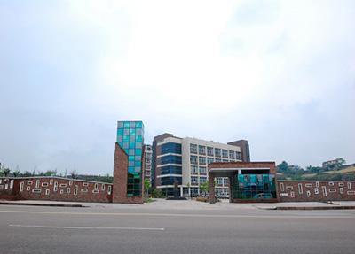 自贡板仓职业学校
