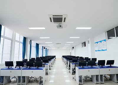 计算机室.png